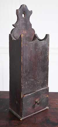 18TH C. HANGING PINE PIPE BOX IN SPANISH BROWN PAINT.