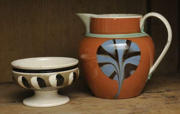 """An early 19th C. English pearlware 4""""H. pouring pitcher and 2""""H. cat's eye master salt"""