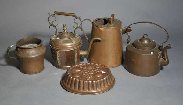 Large assortment of copper (879-39)