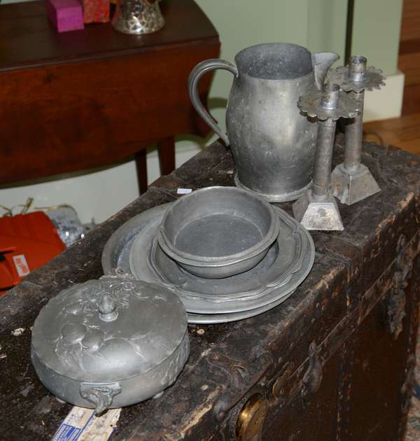 Assortment of pewter, antique (63-17)