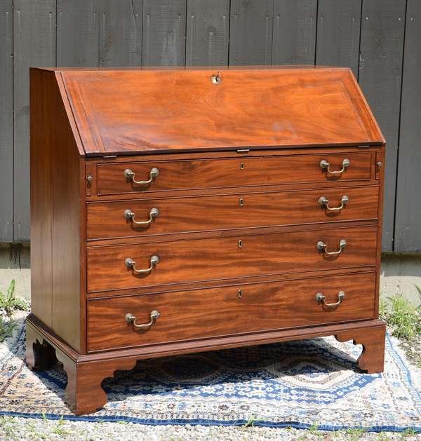 English mahogany Chippendale slant lid desk (111-23)