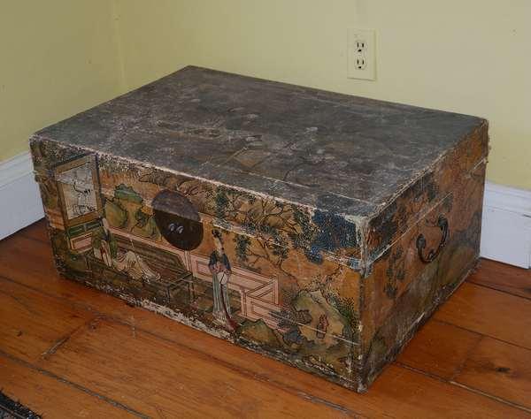 Chinese pig skin box (92)