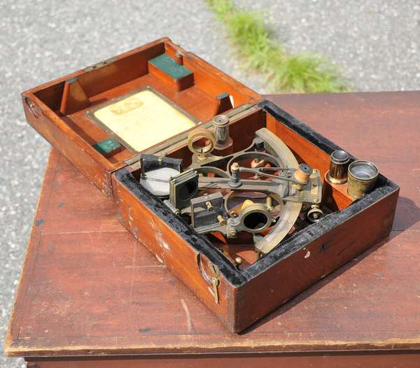 Estate Auction under tents - Smiths Auction Gallery