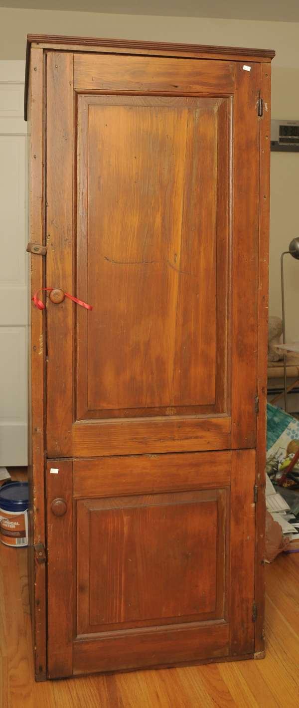 18th C. early double door cupboard, raised panel (475-1)