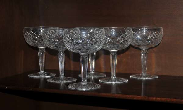 Six Waterford champagnes (208-115)