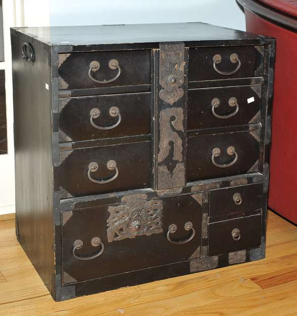 Small Japanese tansu chest (475-10)