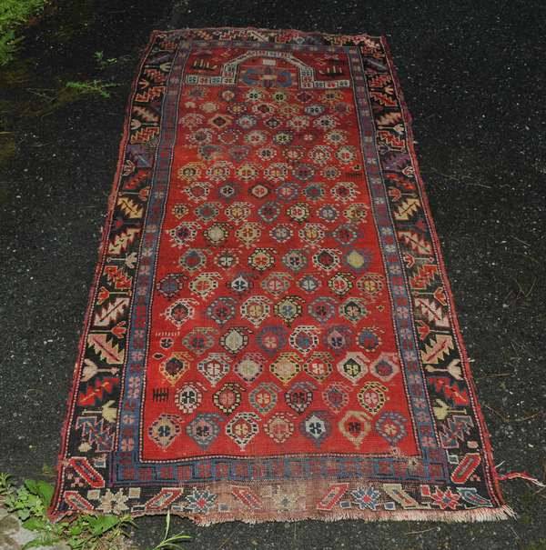 Oriental scatter prayer rug (475-13)