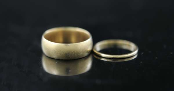 Two 14k gold bands (102-3)