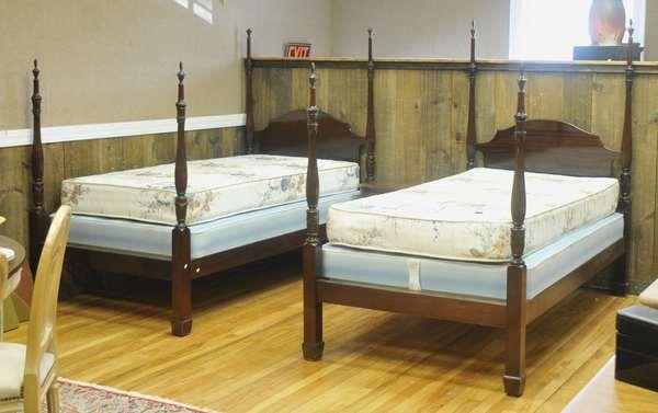 Pair of mahogany twin beds (44)