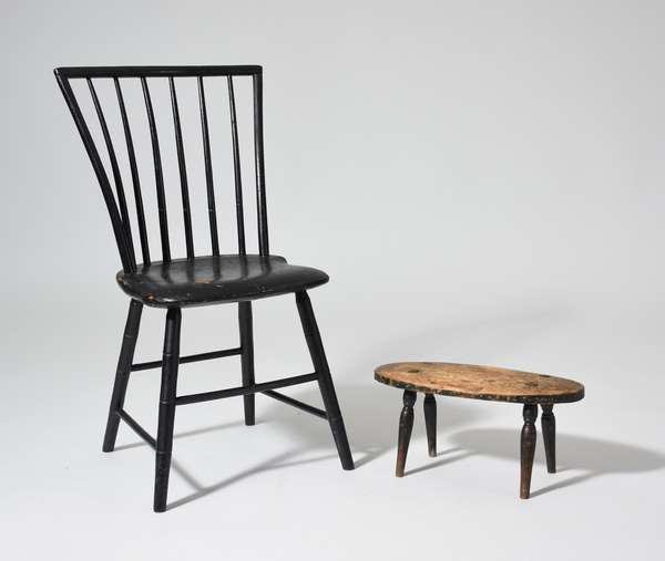 Child's size early 19th C. Windsor chair 26