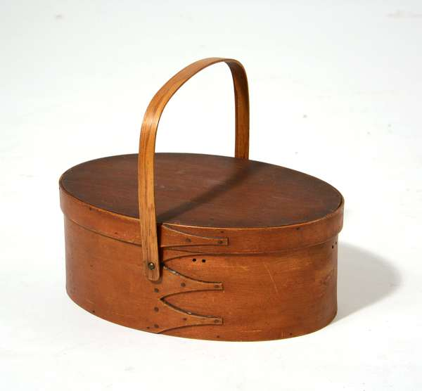 19th C. oval Shaker carrier with lid, old color, 12