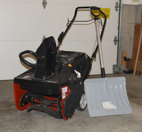 Never used Craftsman gas powered snowblower, nice small size