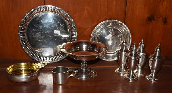 Assorted lot of sterling tablewares, prringer, plate, etc., 18.5 ozt. along with four (two pair) of weighted salt & peppers
