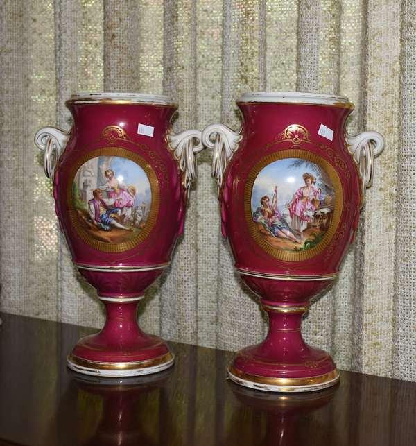 Paris porcelain vases, missing covers (488)