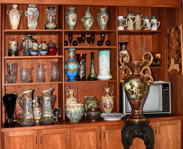Great assortment of Asian ceramics, porcelains, art glass and much more...
