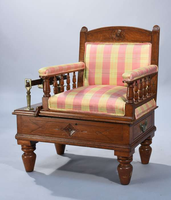 Victorian jockey scale chair, quarter sawn oak with turned legs, carved seat back and frame, ca.1900, 34.5