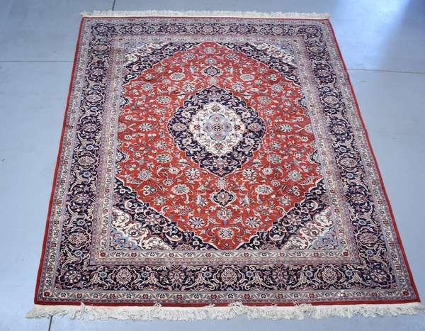 Oriental carpet, 8' x 11'4
