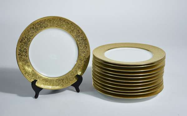 Lovely set of 12 antique Limoges wide gold band dinner plates, 10.5