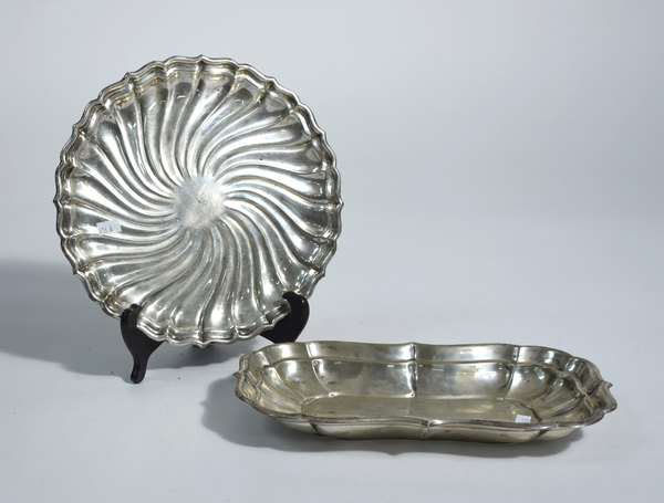 Two sterling serving pieces, circular Gorham 10