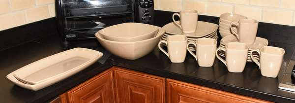 29 pieces set of Simon Pearce ceramic mocha colored dinner/ lunch set