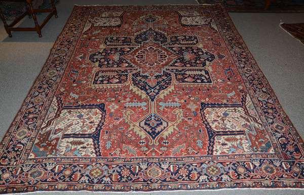 Oriental roomsize rug, Heriz 8'5