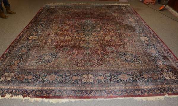 Fine antique roomsize Oriental Persian rug, 15'2