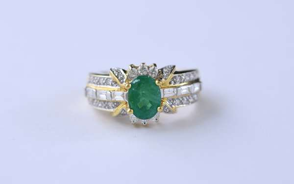 18k yellow gold, emerald and diamond ring, approx. 2 ct oval emerald, approx. 6 grams, ring size 6.5