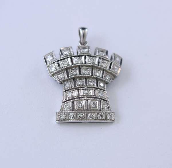 Castle pendant, platinum with diamonds, approx. 8 grams, 1.25