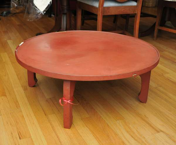 Chinese lacquered table (475-5)
