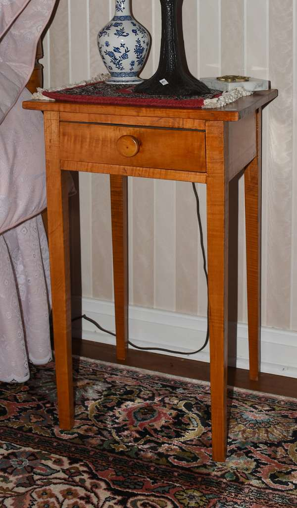 Pair of one drawer tapered leg stand (900-43)
