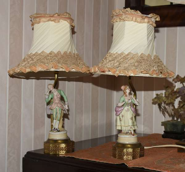 Pair of bisque boudoir lamps (900-50)