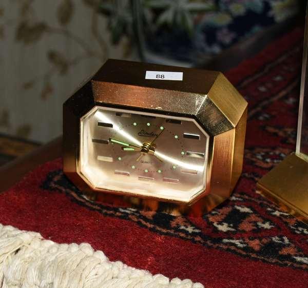Clock (900-88)
