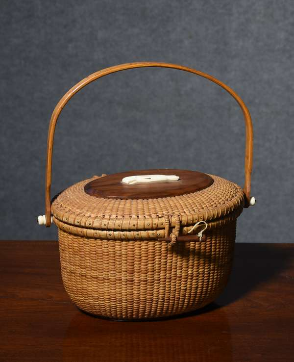 Nantucket basket purse with maker initials A.A.H. 1989 made for Althine Gilmour, 11