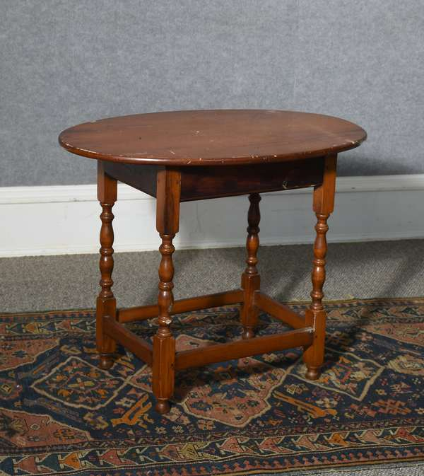 Good 18th C. maple and pine oval top stretcher base tavern table, fine turnings, ca.1760-1780, 24