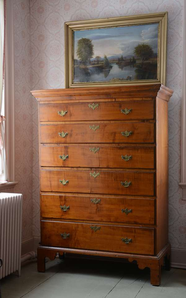 Good Chippendale New England maple six drawer tall chest, likely N.H. origin, ca.1780-1800, 57