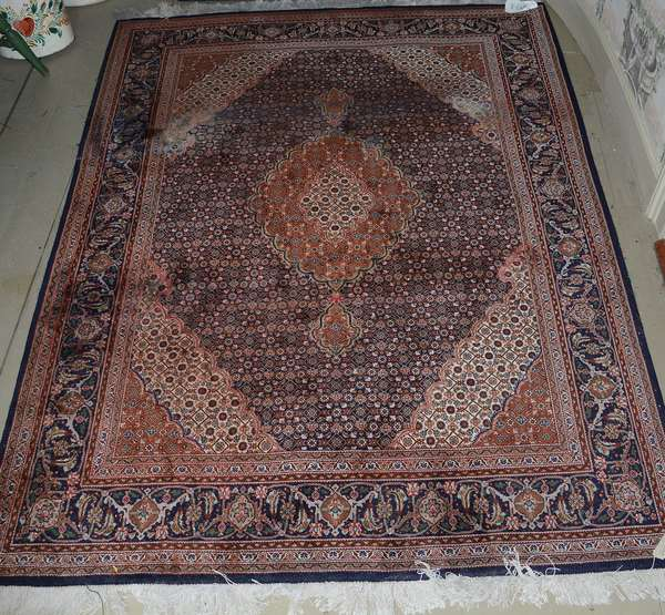 Oriental scatter rug, 5'1