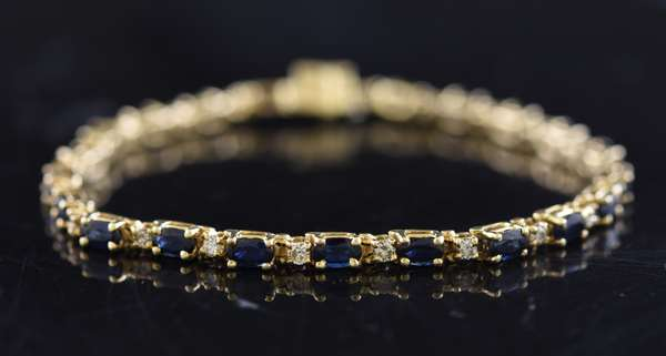 Jewelry - 14k yellow gold bracelet set with diamonds and sapphires, 11.7 grams, 7.5