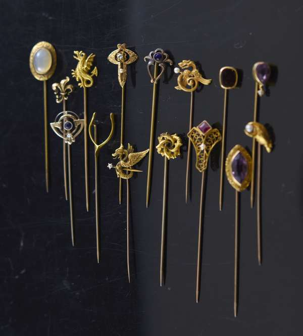 Jewelry - Assorted gold stick pins (approx. 15), approx. 19 grams total weight