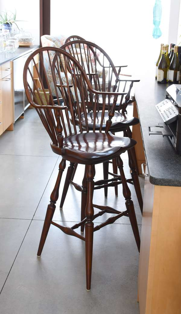 Set of three D R Dimes continuous arm Windsor style bar stools, swiveling, 30