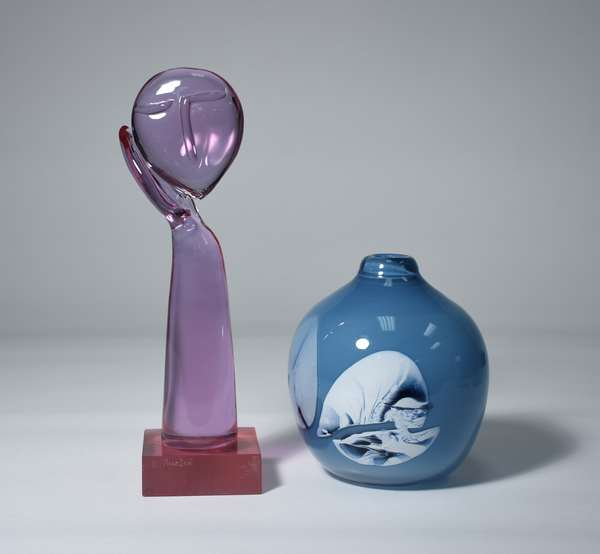 Murano glass sculpture signed R. Auatra along with internally decorated Benny Motzfeld vase, 14