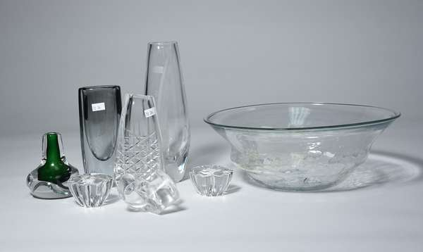 Peter Bramhall glass center bowl along with several other Danish/Finnish glass pieces (33,34)