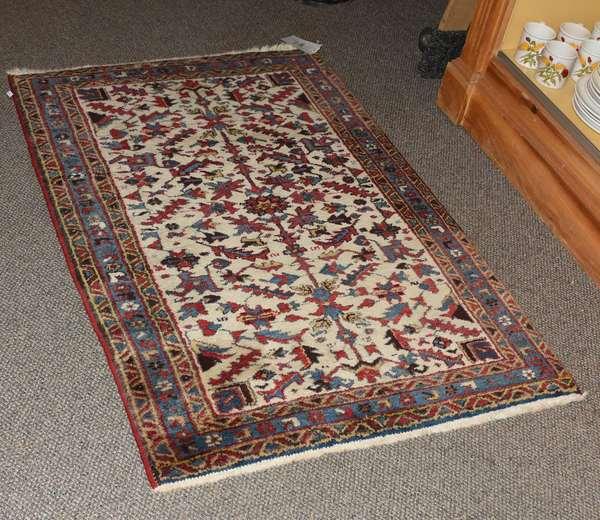 Oriental scatter rug, 2'10