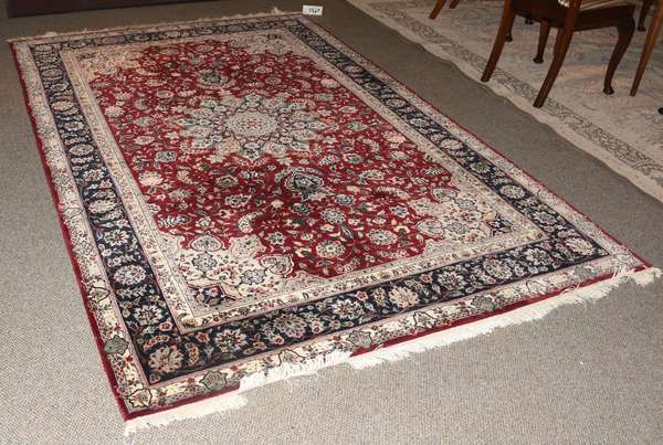 Oriental small roomsize rug, 5'9