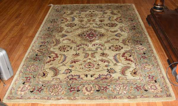 Oriental/ Indian small size rug, 5' x 7'6