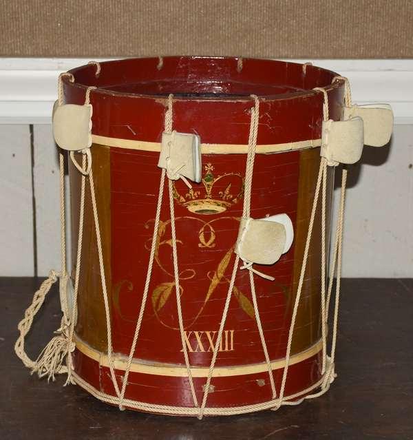 Antique drum (105-2)
