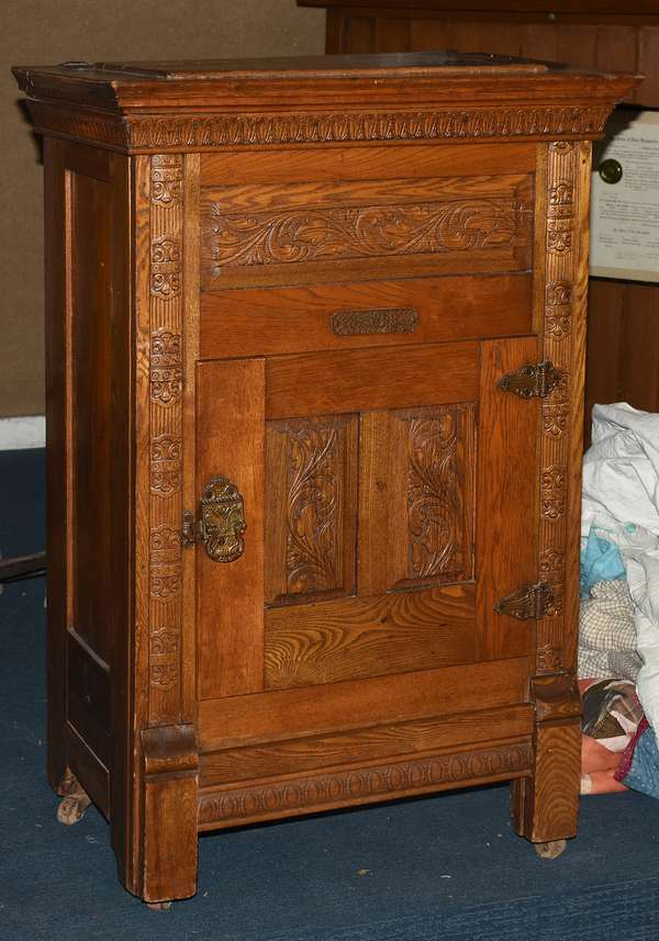 Antique small size Jewel oak icebox (105-69)
