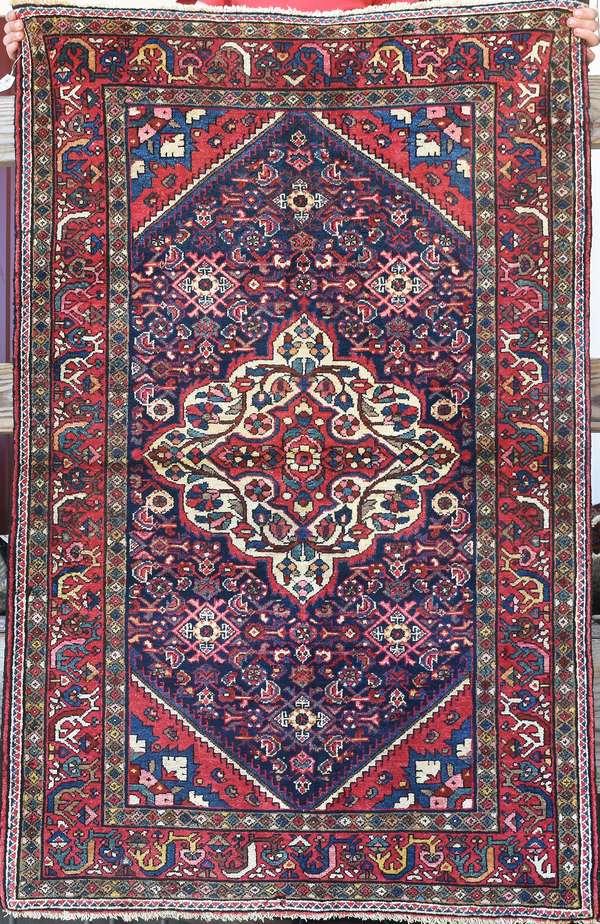 Oriental scatter rug, 3'6