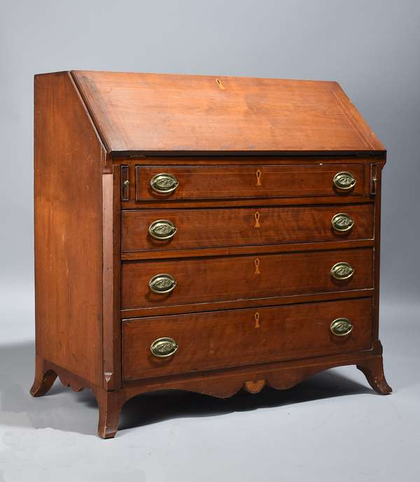 Fine Federal Baltimore area walnut slant lid desk with fan and other good inlays, ca.1790-1800, 40