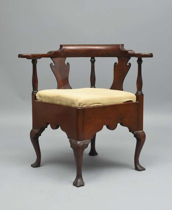 18th C. PA. walnut corner chair, shell carved knee and drake foot, old finish, Prov. Rawle/Corning family estate