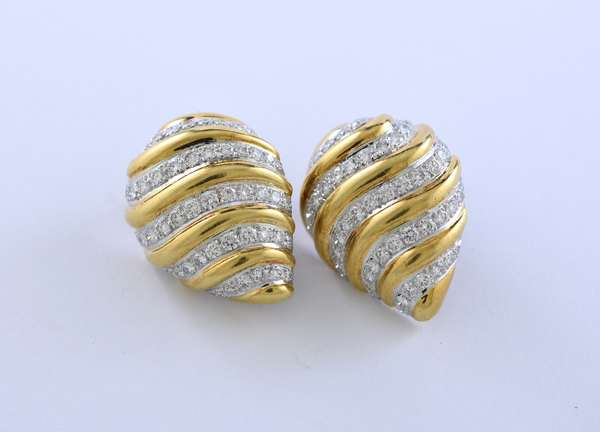 18k and platinum earrings with approx. 5 ctw of diamonds, signed Webb (David Webb), 29 grams